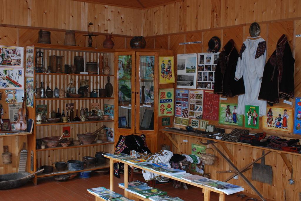 http://www.museum.if.ua/museums/0196-2.jpg